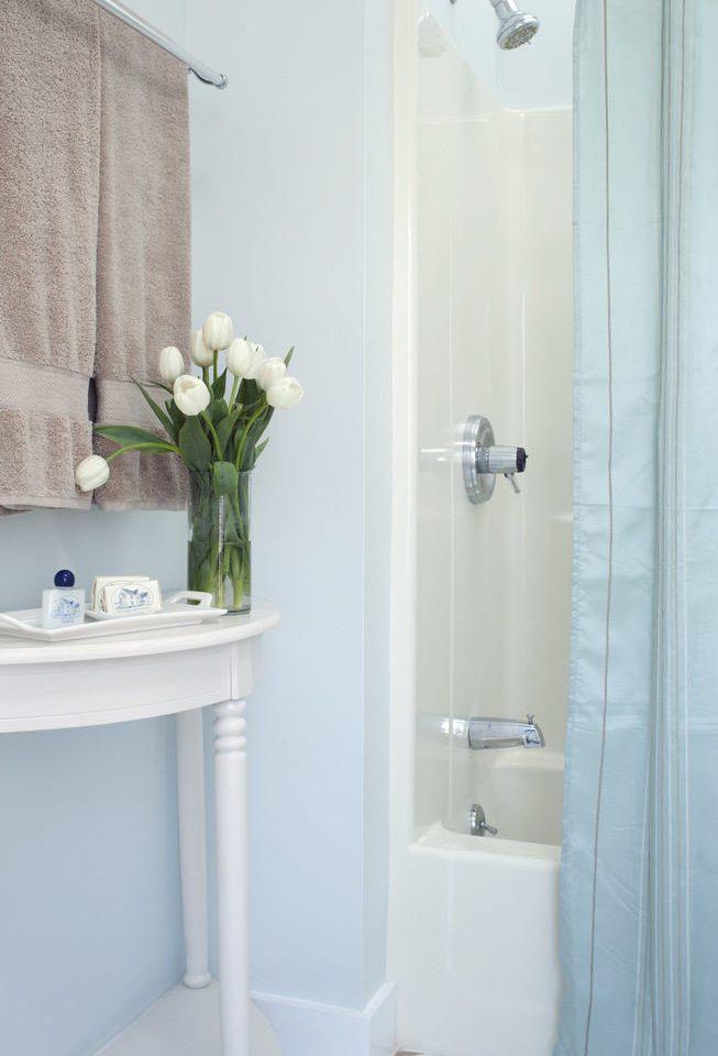 bathroom plumbing fixture bidet white bathtub bathroom cabinet toilet
