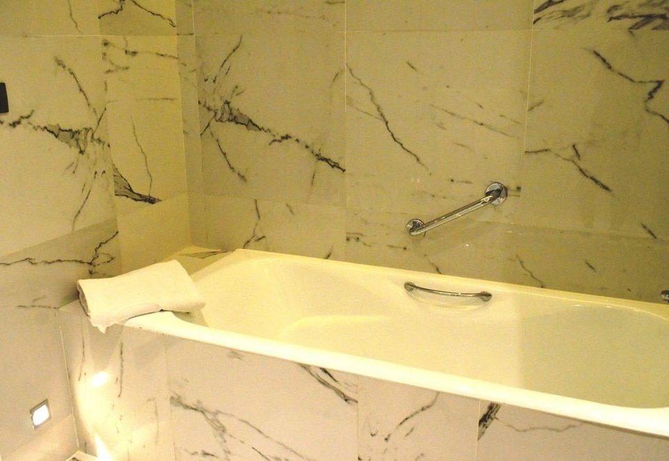 bathroom bathtub plumbing fixture vessel white bidet sink