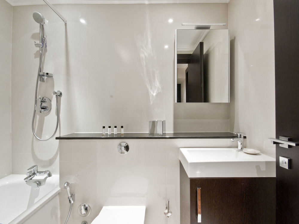 bathroom toilet property sink white plumbing fixture vessel bidet bathtub