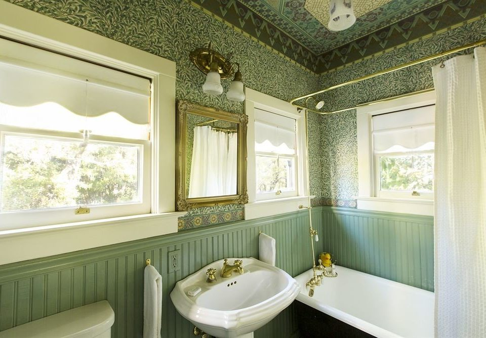 bathroom property mirror sink home green mansion cottage bathtub painted