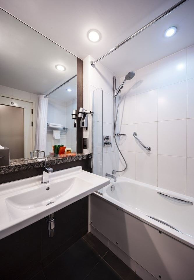 bathroom property sink toilet counter home long bathtub tile