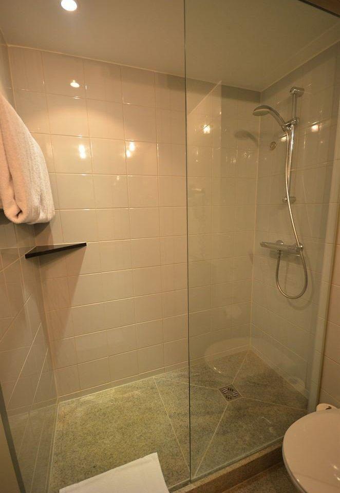 bathroom plumbing fixture sink toilet bathtub tile tiled