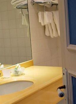 bathroom toilet sink plumbing fixture bathtub