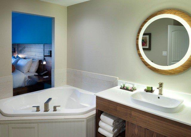 bathroom sink mirror property home toilet bidet