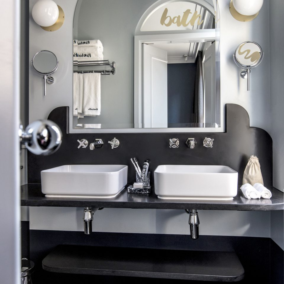 bathroom black mirror sink product design towel home appliance small appliance kitchen stove plumbing fixture