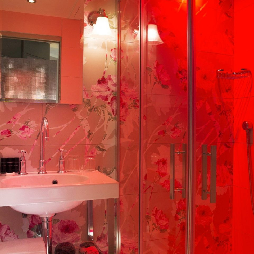 color red pink bathroom house
