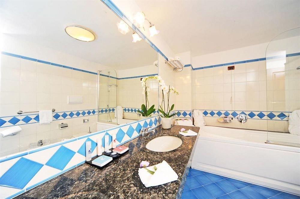 property swimming pool counter bathroom condominium flooring