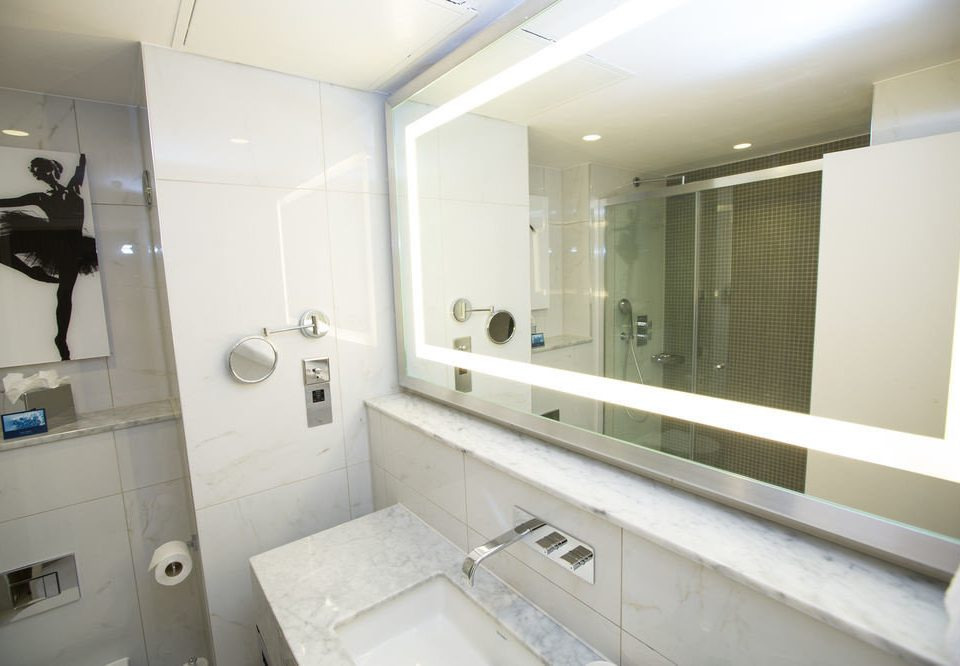 bathroom property mirror sink home condominium