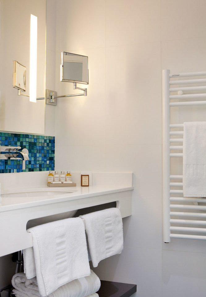 bathroom white property sink home cottage living room flooring
