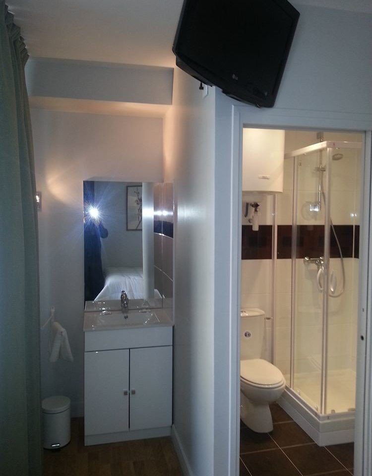 bathroom property house home lighting sink cottage toilet