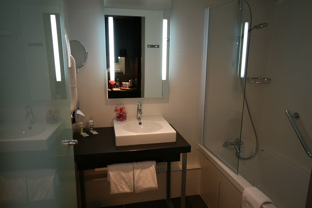 bathroom mirror property sink house home plumbing fixture toilet cottage rack
