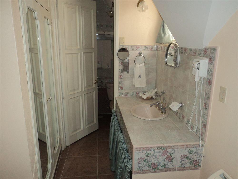 bathroom property house home sink cottage tiled