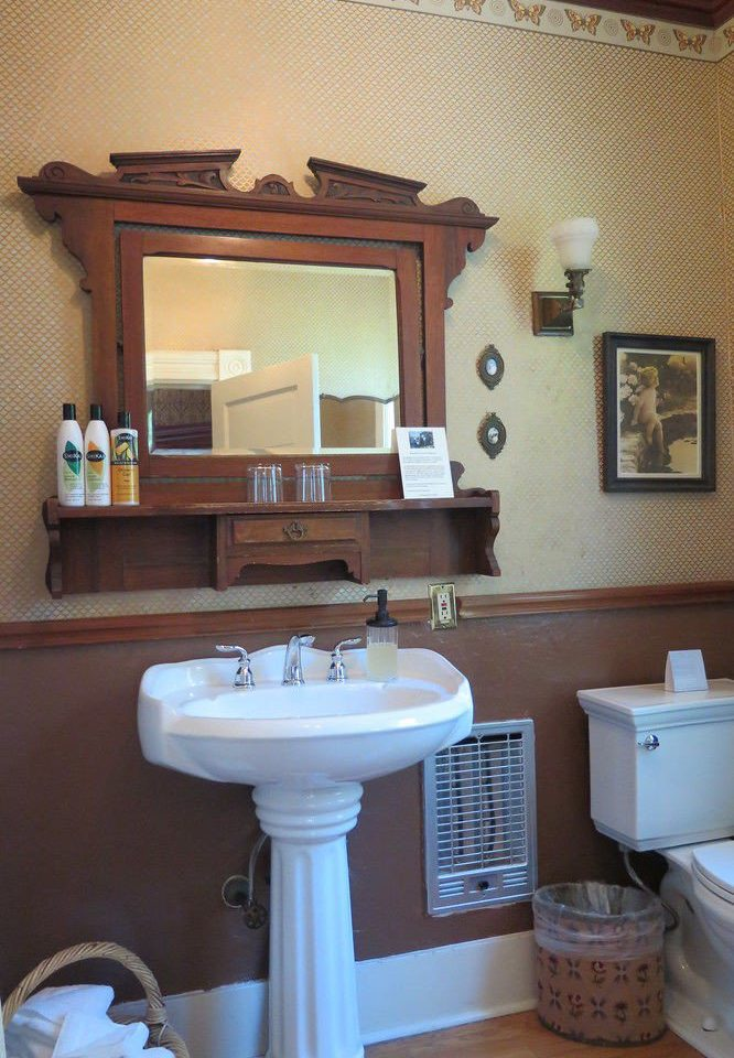 bathroom property sink home cottage plumbing fixture living room