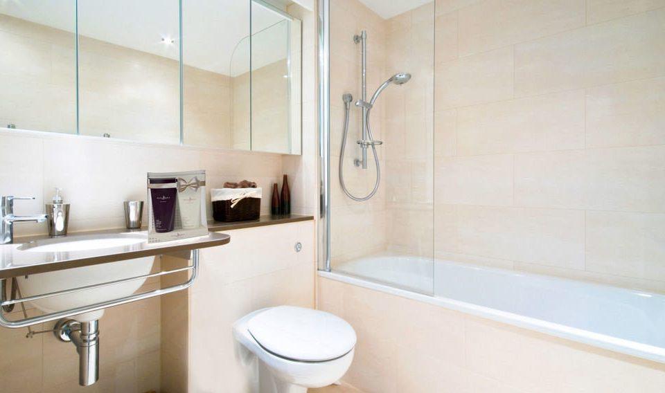 bathroom property scene sink home cottage plumbing fixture toilet