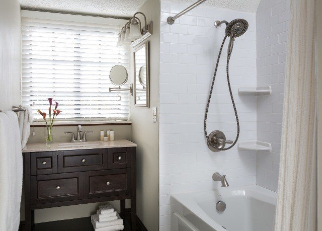 bathroom property scene sink home cottage plumbing fixture