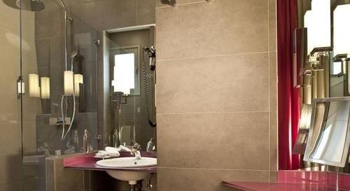 bathroom property sink shower cottage toilet tiled