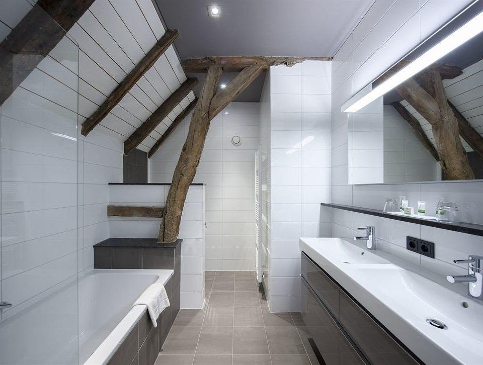 property bathroom daylighting professional loft flooring toilet tile tiled kitchen appliance