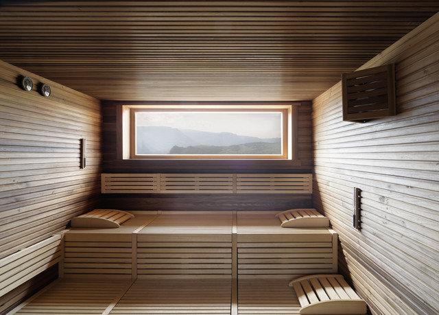 daylighting sauna bathroom