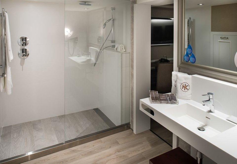 bathroom property sink home plumbing fixture flooring toilet