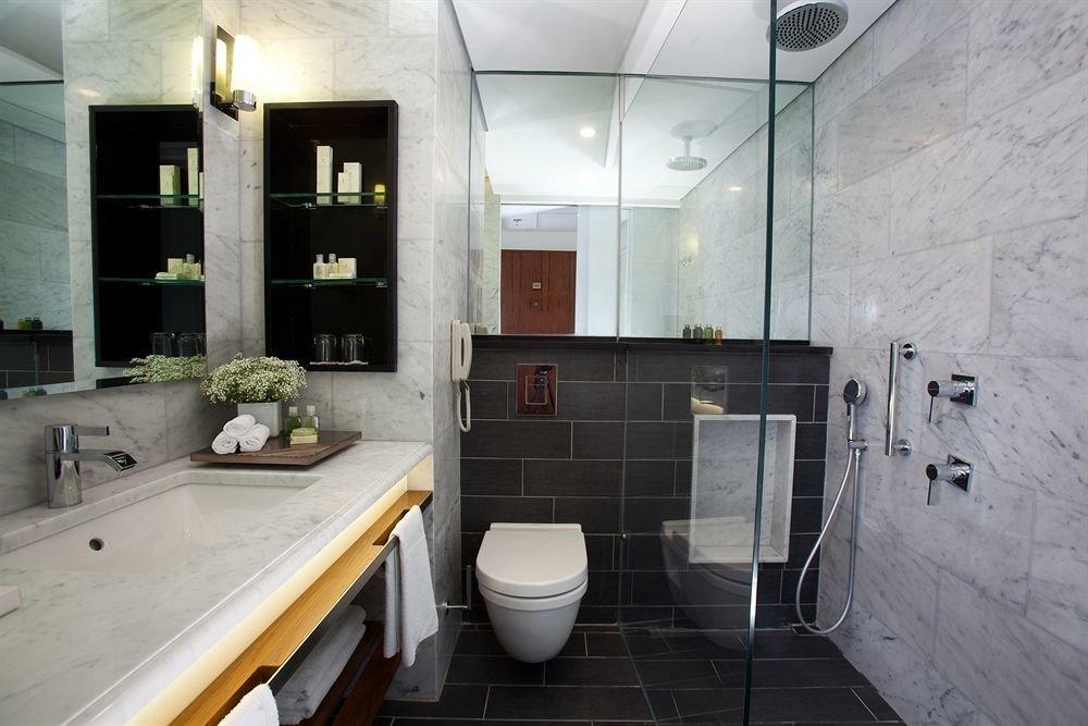 bathroom property home flooring tiled