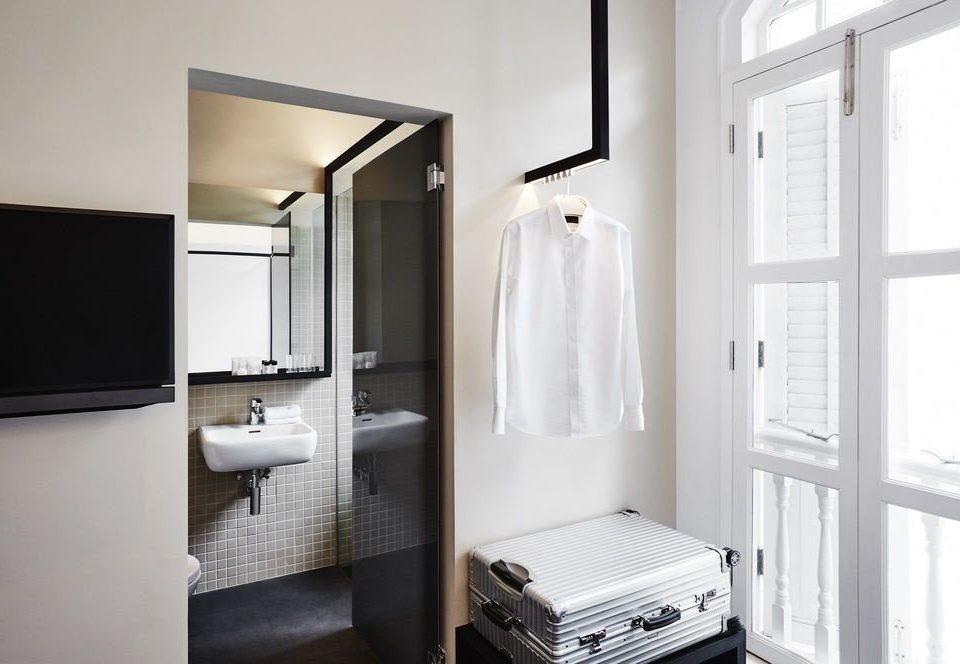 bathroom sink white flooring