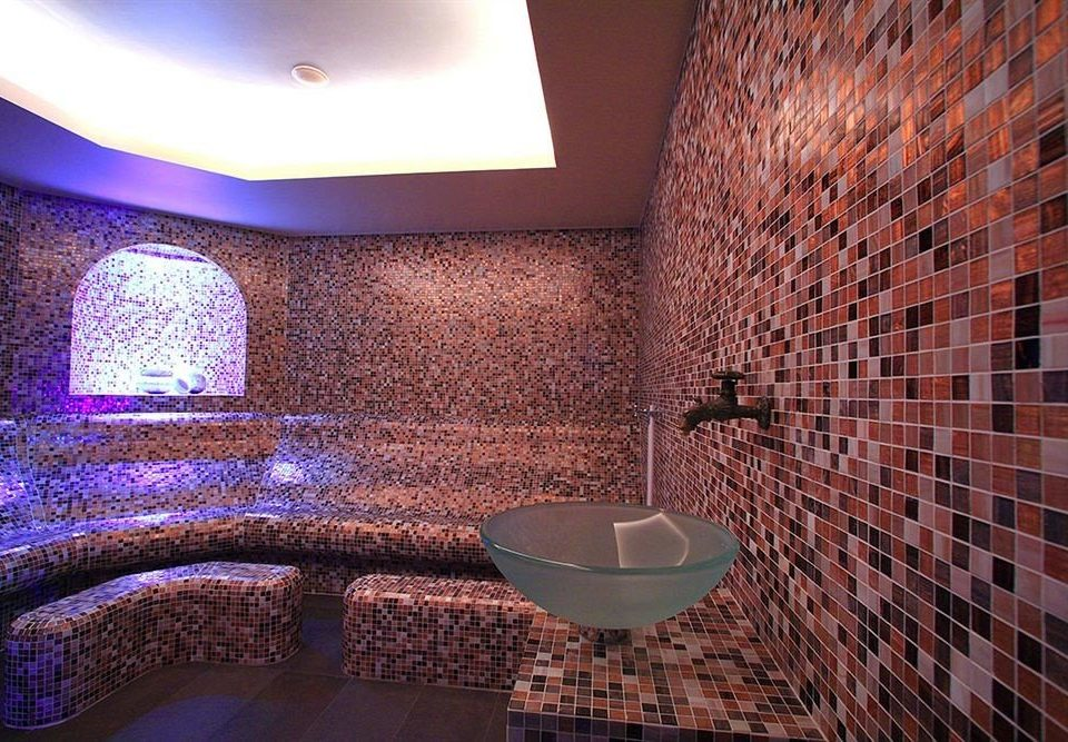 bathroom swimming pool flooring tiled