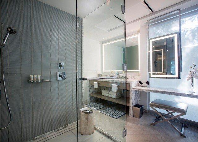 bathroom property home loft toilet tiled