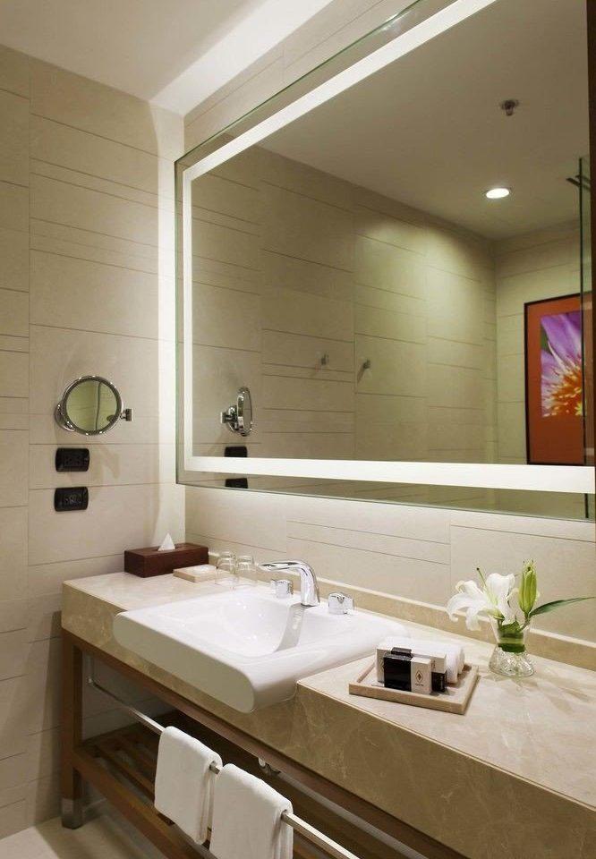 bathroom mirror sink property home long