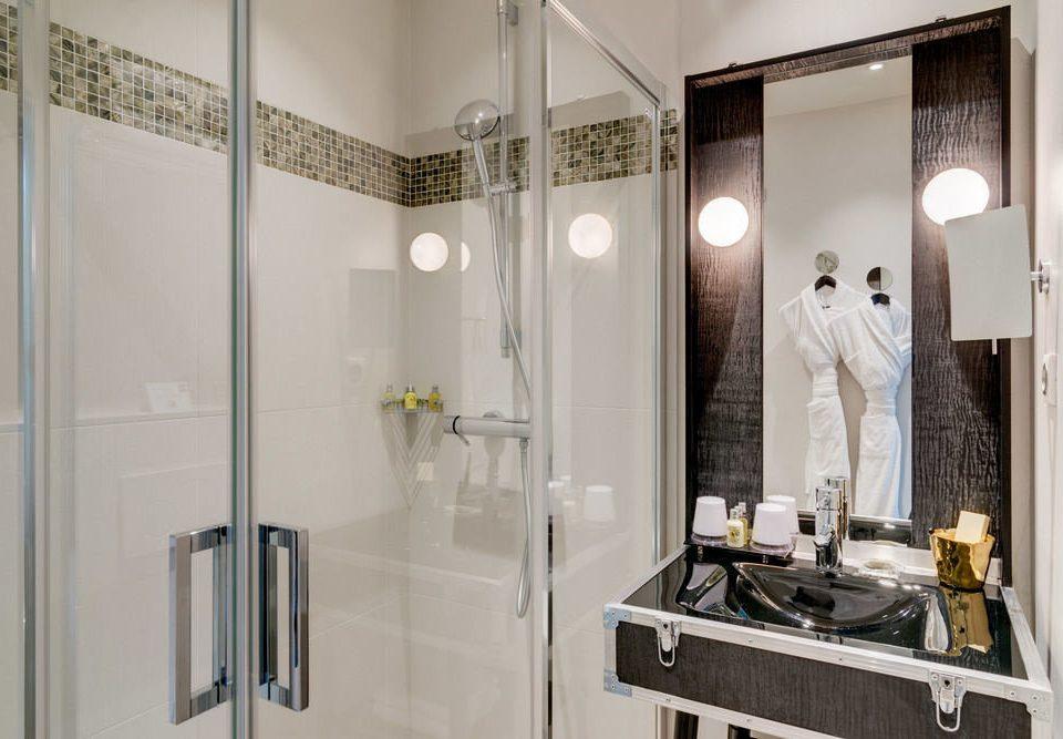 bathroom property scene home white plumbing fixture