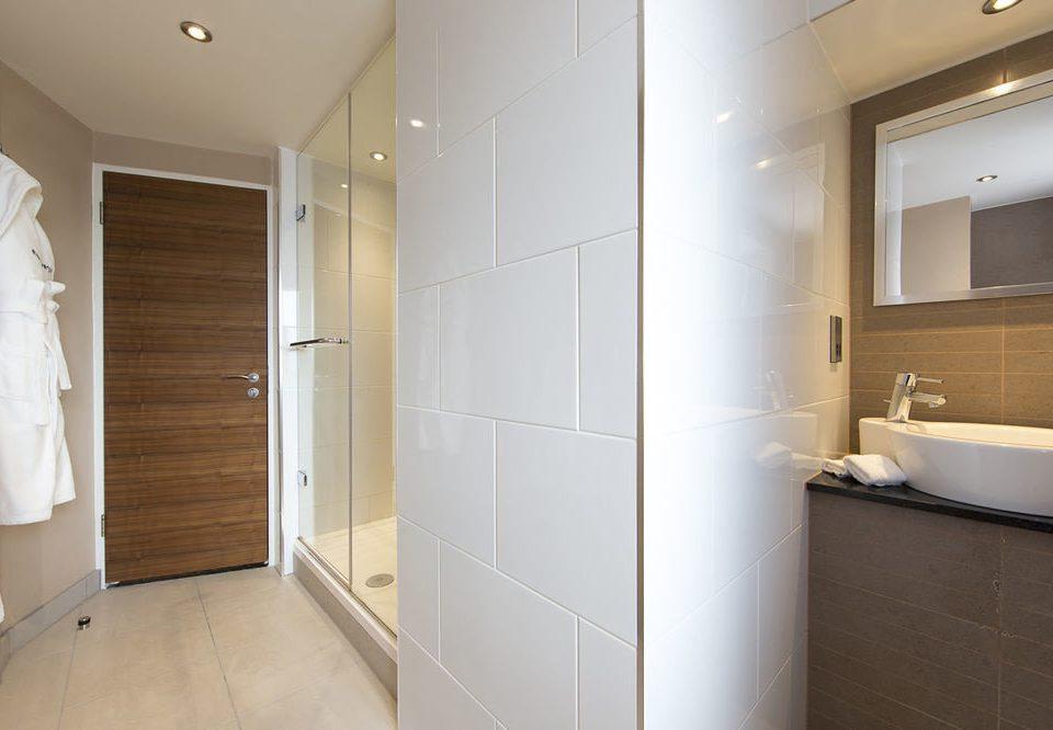 bathroom property sink home tile tiled
