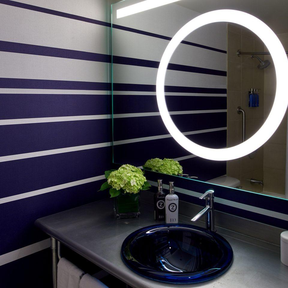 bathroom lighting plumbing fixture
