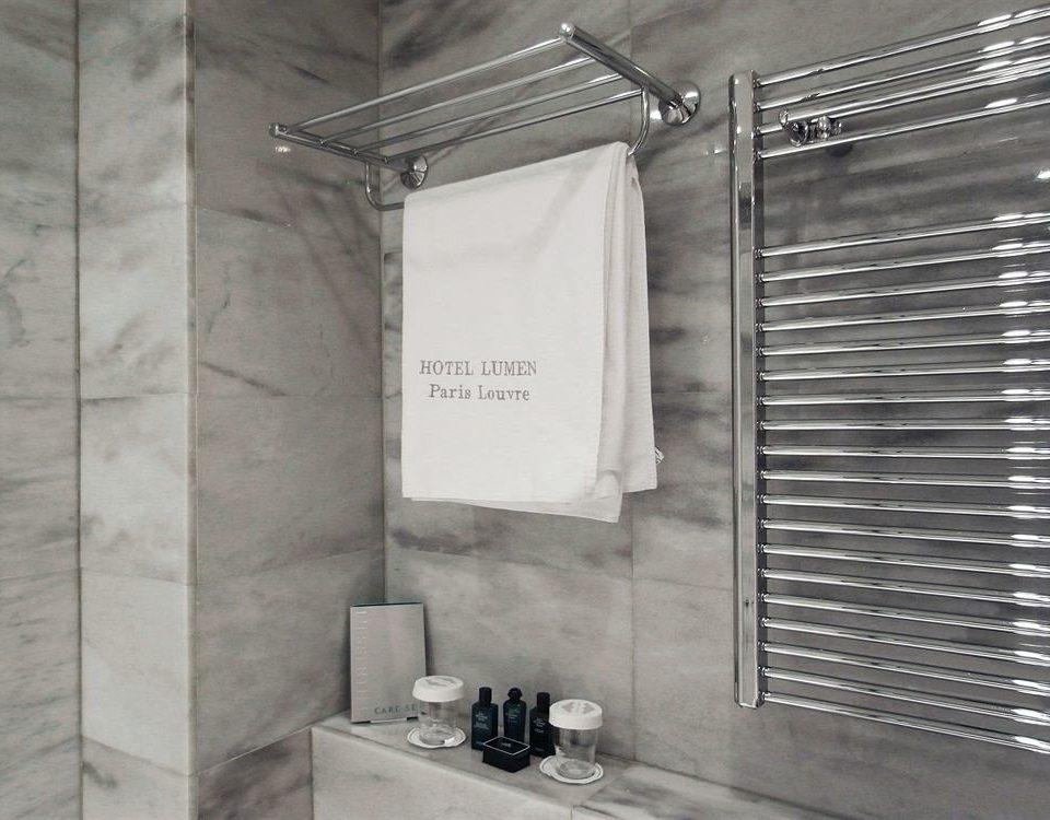 plumbing fixture bathroom tiled