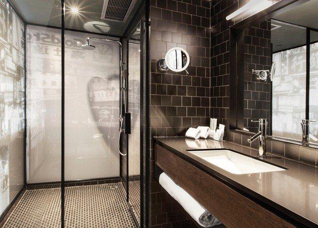 bathroom property tiled