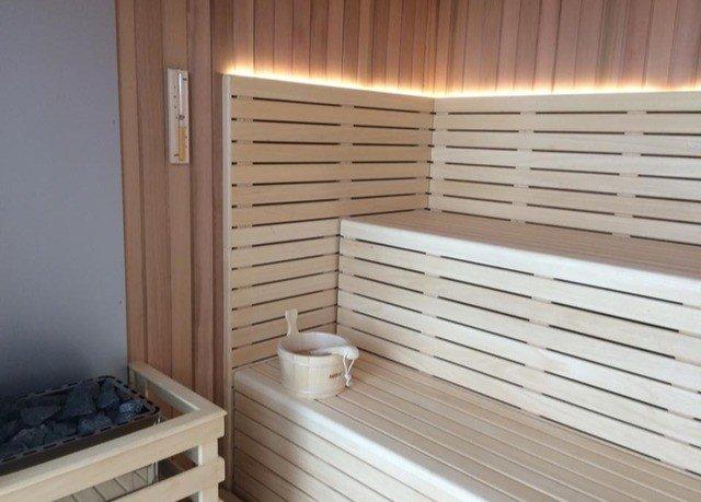 swimming pool sauna bathroom
