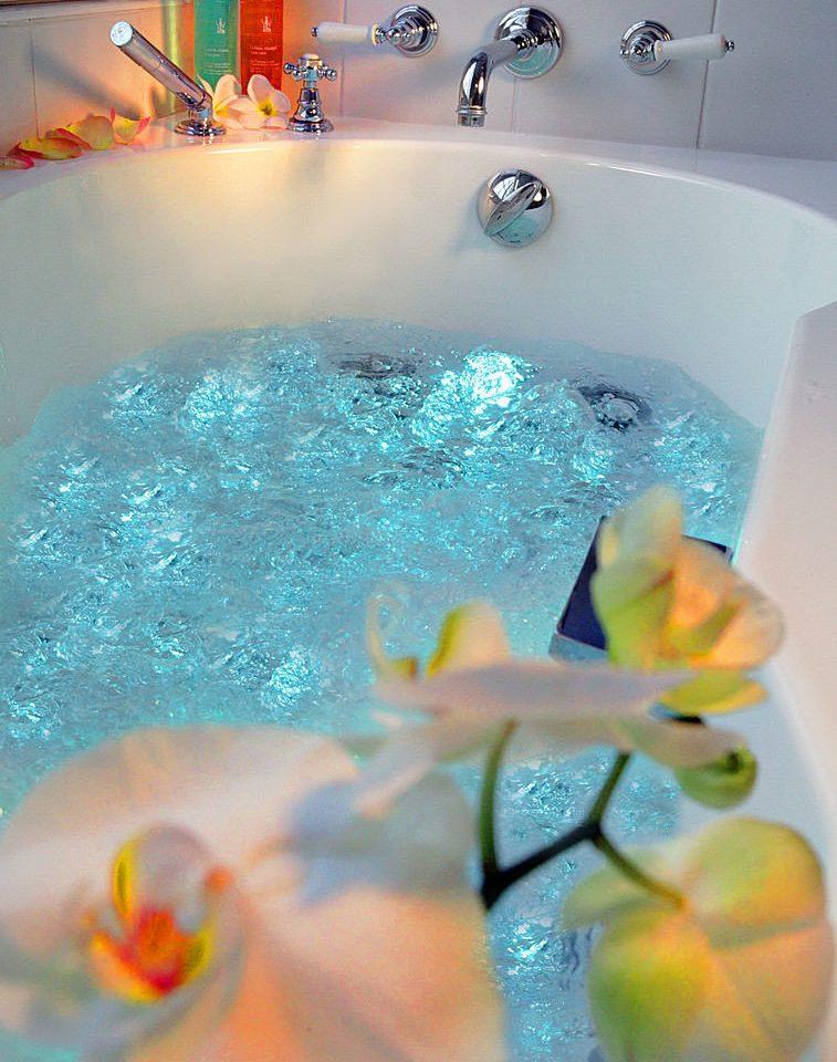 swimming pool blue vessel bathtub