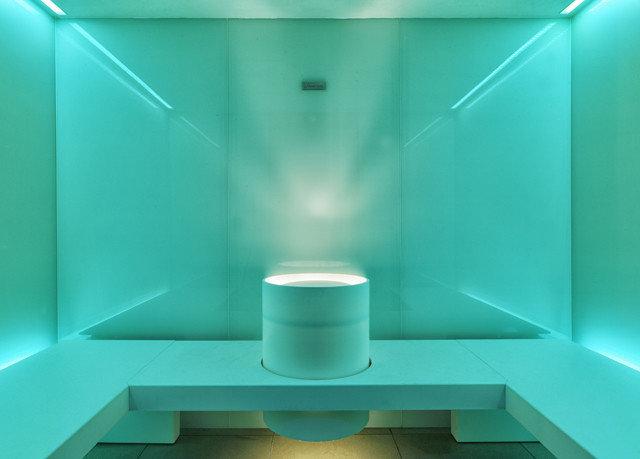 swimming pool bathtub plumbing fixture lighting daylighting