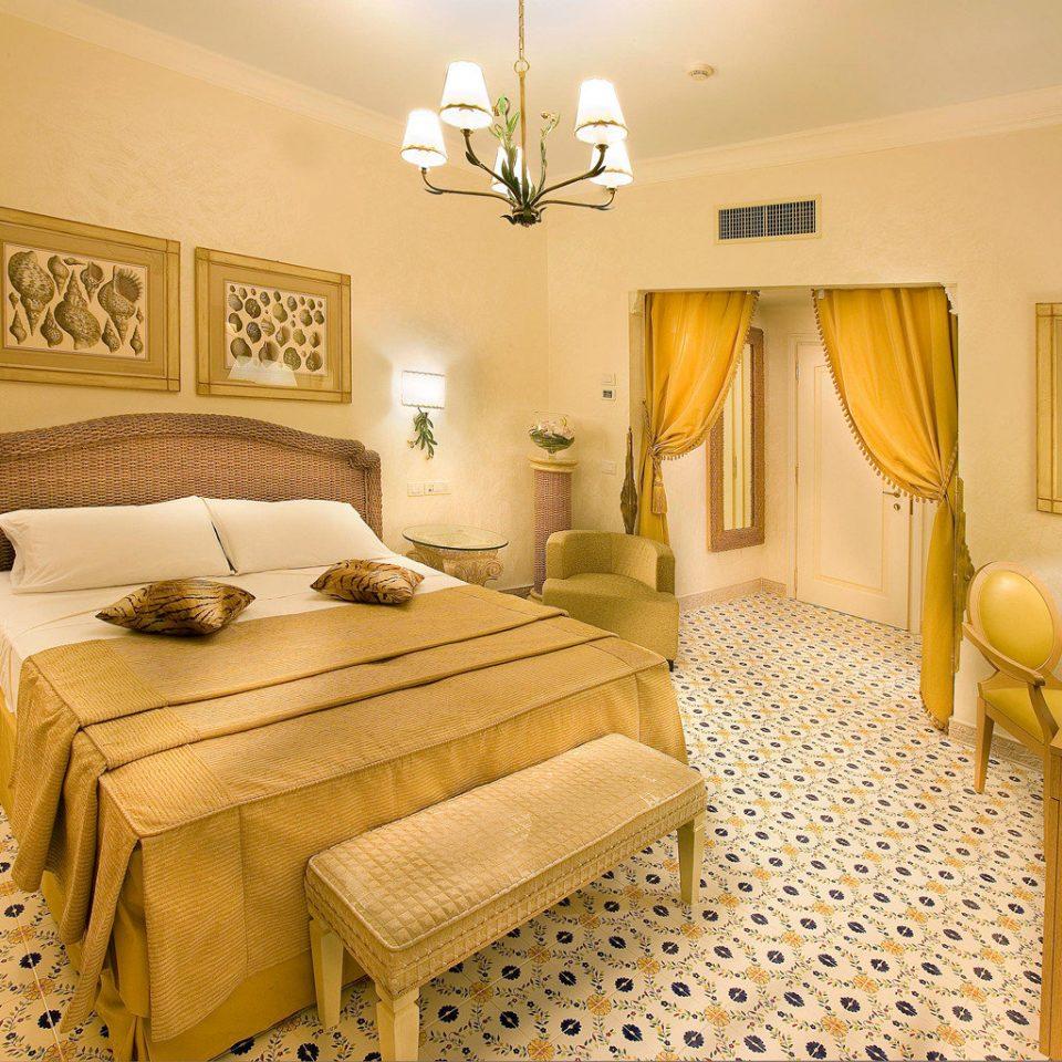 Beach Beachfront Bedroom Classic Historic Honeymoon Island Resort Romance Romantic property Suite cottage