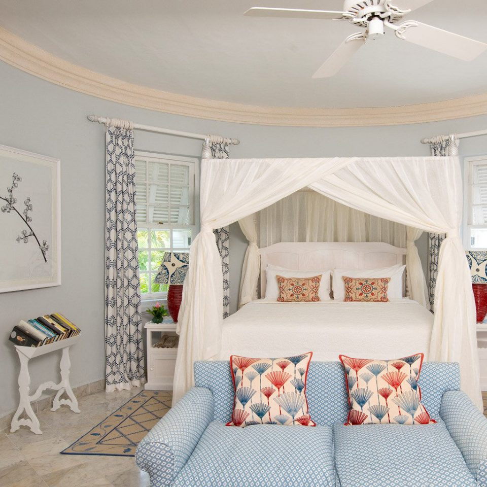 Beach Beachfront Bedroom Country Elegant Island Waterfront property living room home cottage bed sheet