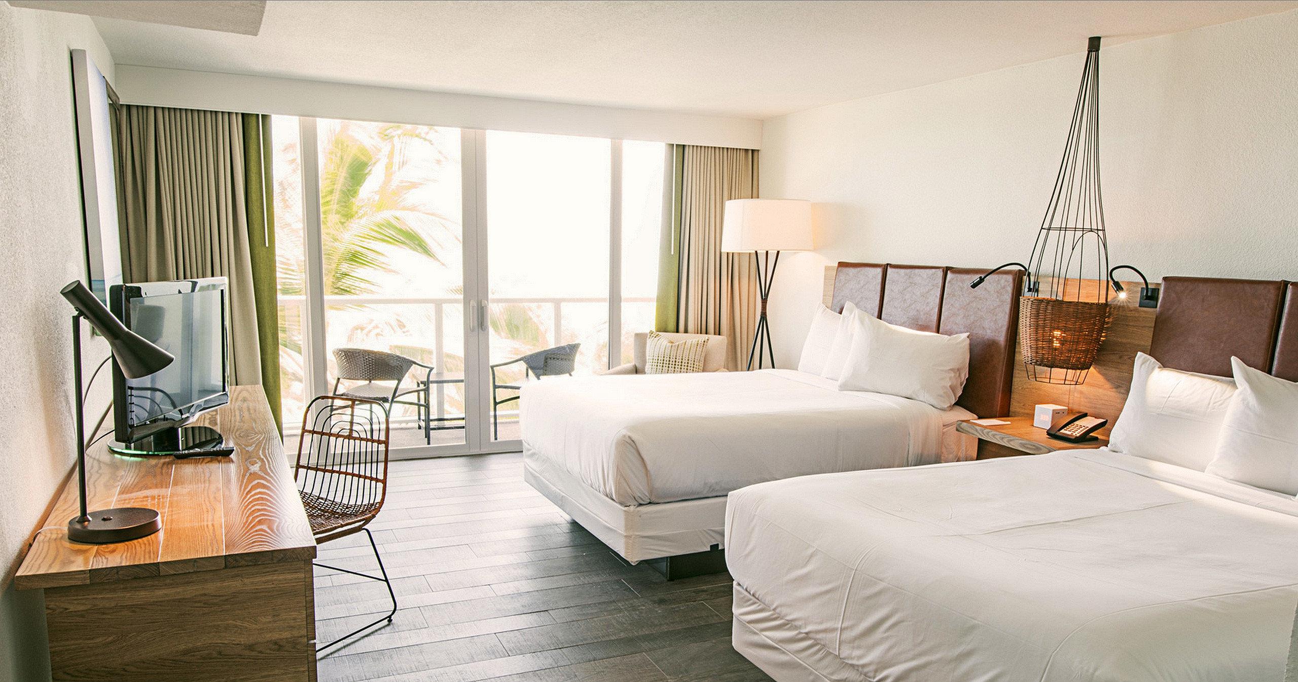 Beach Beachfront Bedroom Hotels Resort property living room home Suite condominium cottage Villa