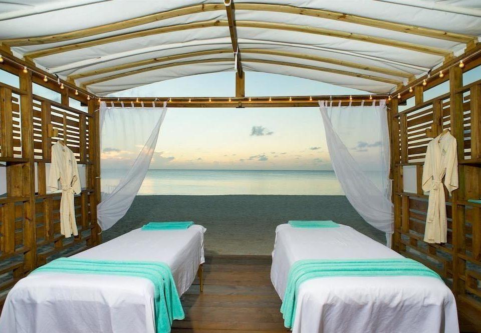 Beach Beachfront Luxury Romantic Spa Bedroom net
