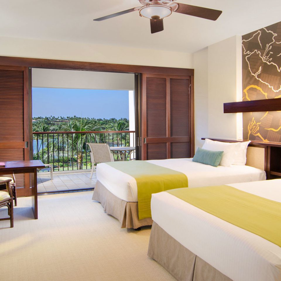 Beach Beachfront Bedroom Resort property Suite scene living room home Villa condominium cottage