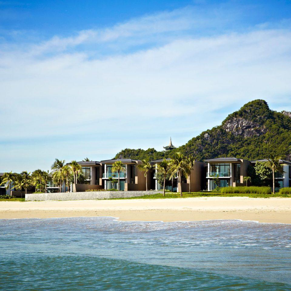 Beach Beachfront Exterior Family Modern Resort sky water Sea shore Nature Ocean Coast Island Lake tropics