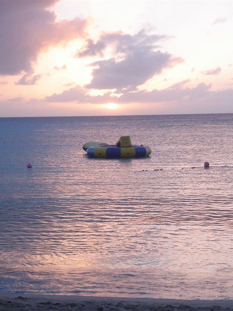 Beach Beachfront Luxury Ocean sky water Sea shore horizon Sunset cloud sunrise Coast morning wind wave wave dawn evening dusk vehicle sand