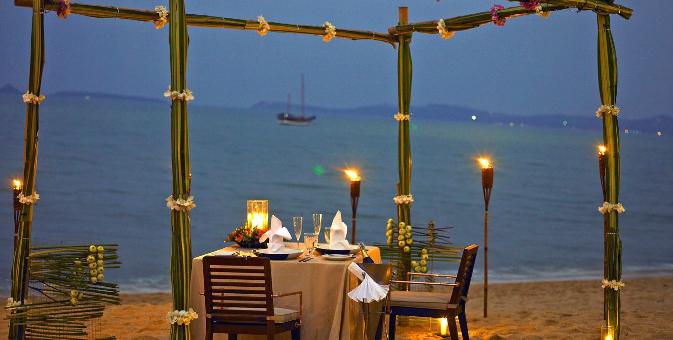 Beach Beachfront Dining Drink Eat Luxury Romantic sky yellow evening lighting vehicle day