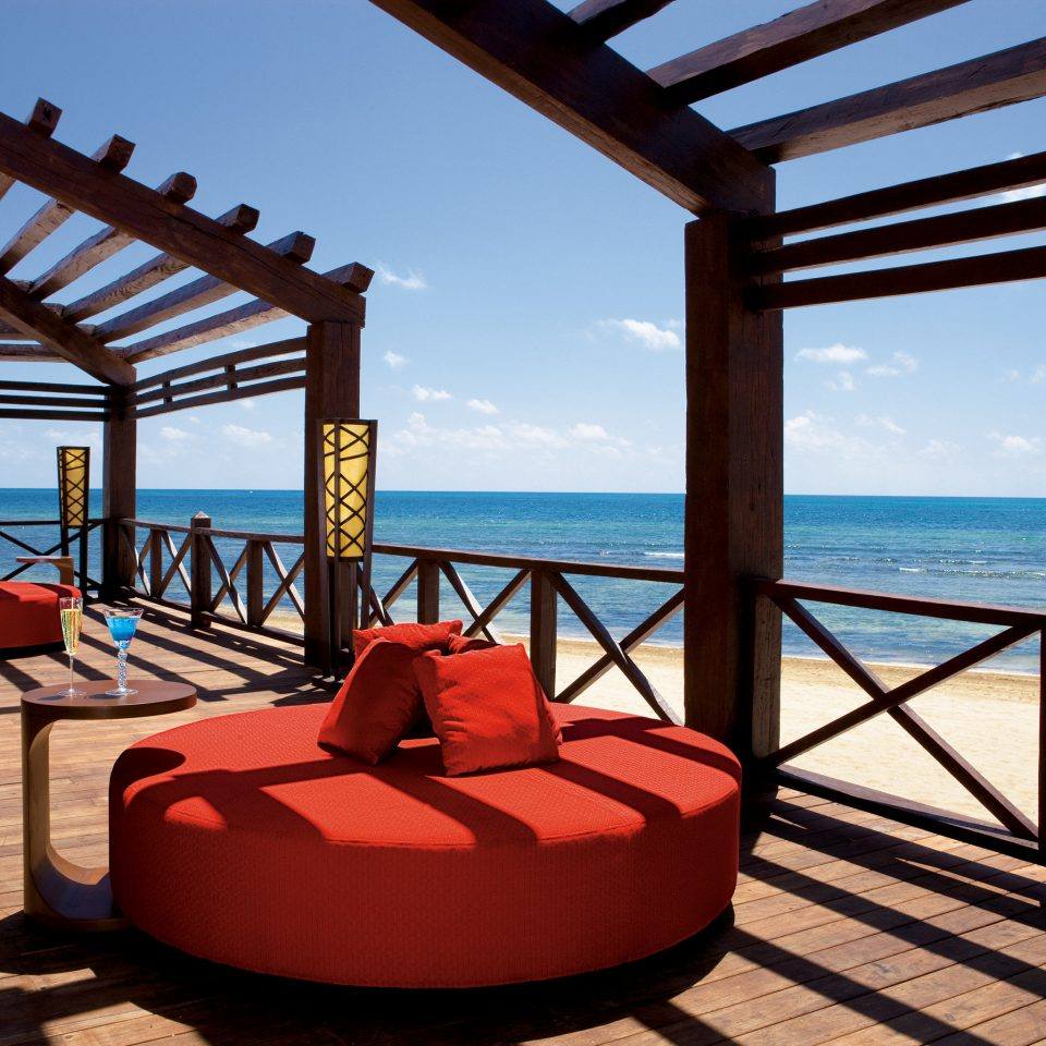 Beach Beachfront Elegant Hip Lounge Luxury Modern Ocean sky leisure swimming pool Resort Villa overlooking