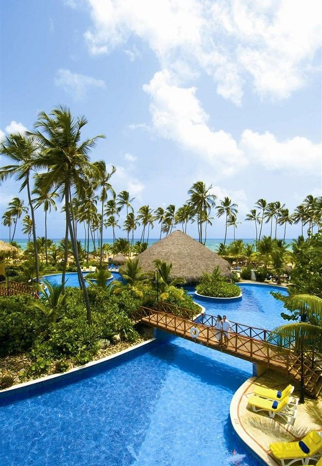 Beachfront Luxury Pool Tropical sky tree swimming pool leisure property Resort caribbean Villa Lagoon Sea arecales Beach tropics
