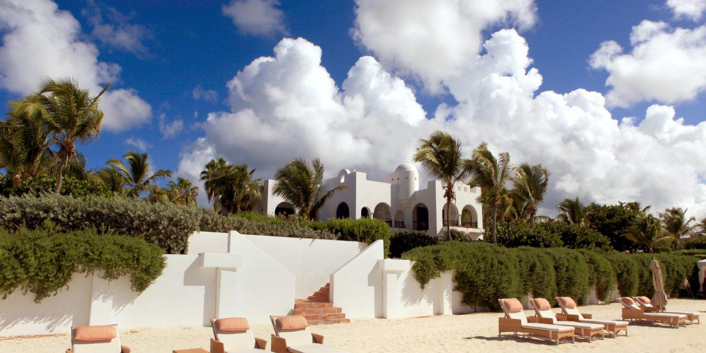 Beach Beachfront Lounge Ocean sky Sea Resort arecales landscape Villa day
