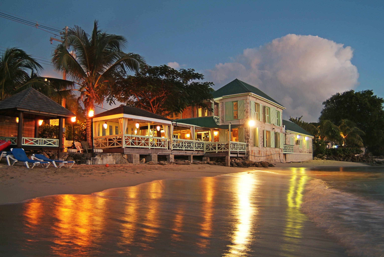 Beach Beachfront Lounge Ocean sky Town night evening cityscape Resort dusk waterway