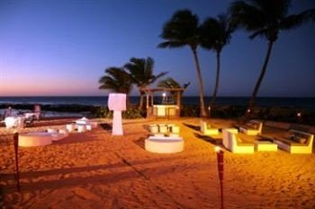 Beach Beachfront Luxury Outdoors Resort Romance Nature shore Sunset