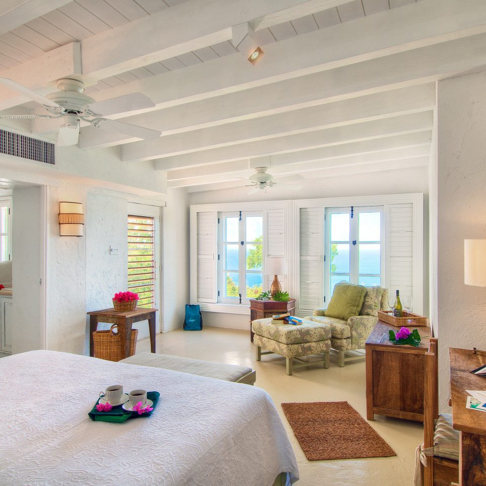 Beach Bedroom Classic Scenic views Suite Waterfront property living room home house cottage condominium farmhouse Villa loft